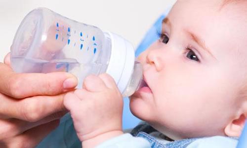 Bebeğe Su Ne Zaman Verilir