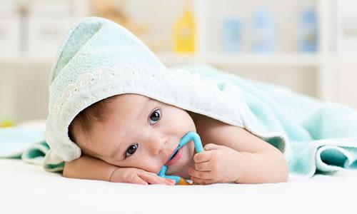 Bebeklerde Diş Kasinmasi