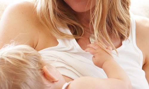 bebek emzirme incelikleri