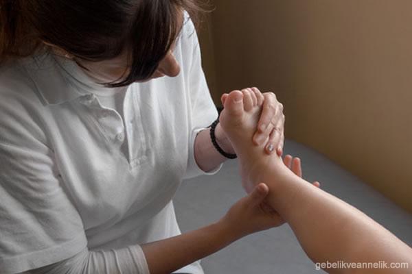 Pes Ekinovarus Çarpık Ayak Sendromu Tedavi Yontemleri