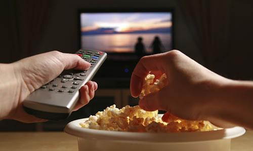 gece tv izlemek