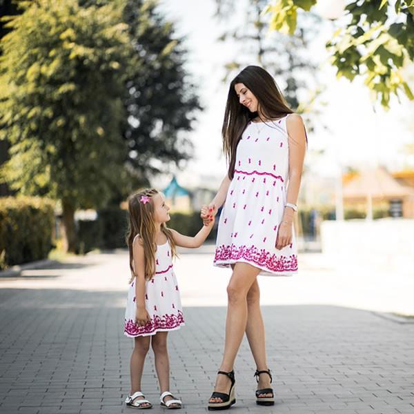 12 Anne Kız Elbise & Kıyafet Kombini