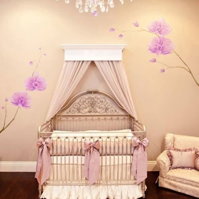 Pembe Renk Bebek Odası Dekorasyonu
