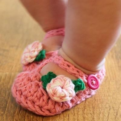 Bebekler İçin Sevimli Örgü Patikler