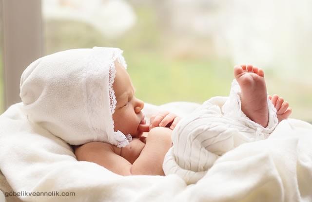 Sevimli Uyuyan Bebek Fotoğrafları